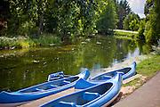 Fojutowo 2011-7-05. W Fojutowie w pobliżu Czerska na południowym skraju Borów Tucholskich znajduje się akwedukt będący skrzyżowaniem dwóch cieków wodnych: Wielkiego Kanału Brdy - płynącego górą i płynącej dołem Czerskiej Strugi. Akwedukt jest jedną z największych atrakcji turystycznych Borów Tucholskich. Na zdjęciu Wielki Kanał Brdy.