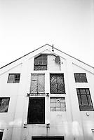 Litt av hvert på denne husveggen i Ålesund.<br /> Foto: Svein Ove Ekornesvåg