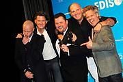 Uitreiking van de Edison POP 2014 awards in de The Harbour Club, Amsterdam<br /> <br /> Op de foto:  Blof met de Edison oeuvreprijs en Winnaar in de categorie volksmuziek Frans Duijts