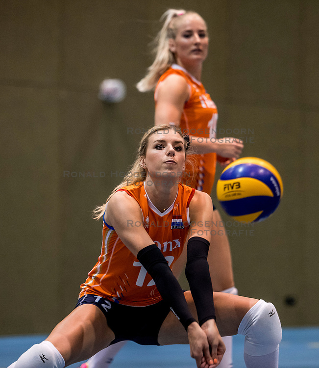 10-05-2018 NED: Training Dutch volleyball team women, Arnhem<br /> Britt Bongaerts #12 of Netherlands