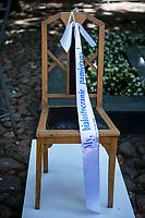 Bialystok, 16.08.2020. Obchody w 77. rocznice wybuchu Powstania w Getcie Bialostockim przy Pomniku Bohaterow Getta N/z puste krzeslo symbol nieobecnosci Zydow w Bialymstoku fot Michal Kosc / AGENCJA WSCHOD
