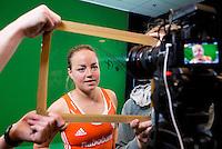 DEN BOSCH -   Maartje Paumen. , face to face.  Nederlands Hockeyteam  voor nieuwe platform Hockey.nl.    FOTO KOEN SUYK