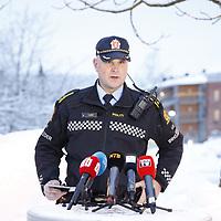 Ask 20210102. <br /> Politiets innsatsleder Roy Alkvist under en presseoppdatering lørdag ved Ask i Gjerdrum. Flere boliger er tatt av jordskredet ni personer er savnet. Over 1000 personer i området er evakuert.<br /> Foto: Tor Erik Schrøder / NTB