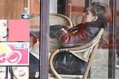 Kristen stewart On Location In Paris