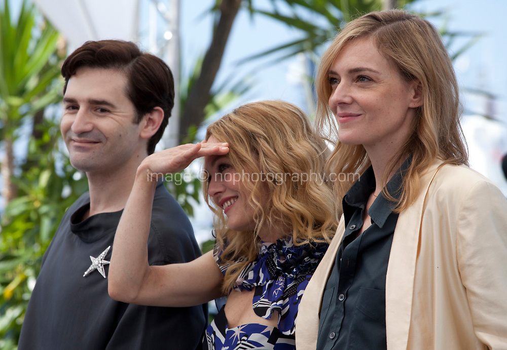 Nicolas Maury, Vanessa Paradis, Kate Moran, at the Knife + Heart (Un Couteau Dans Le Coeur) film photo call at the 71st Cannes Film Festival, Friday 18th May 2018, Cannes, France. Photo credit: Doreen Kennedy