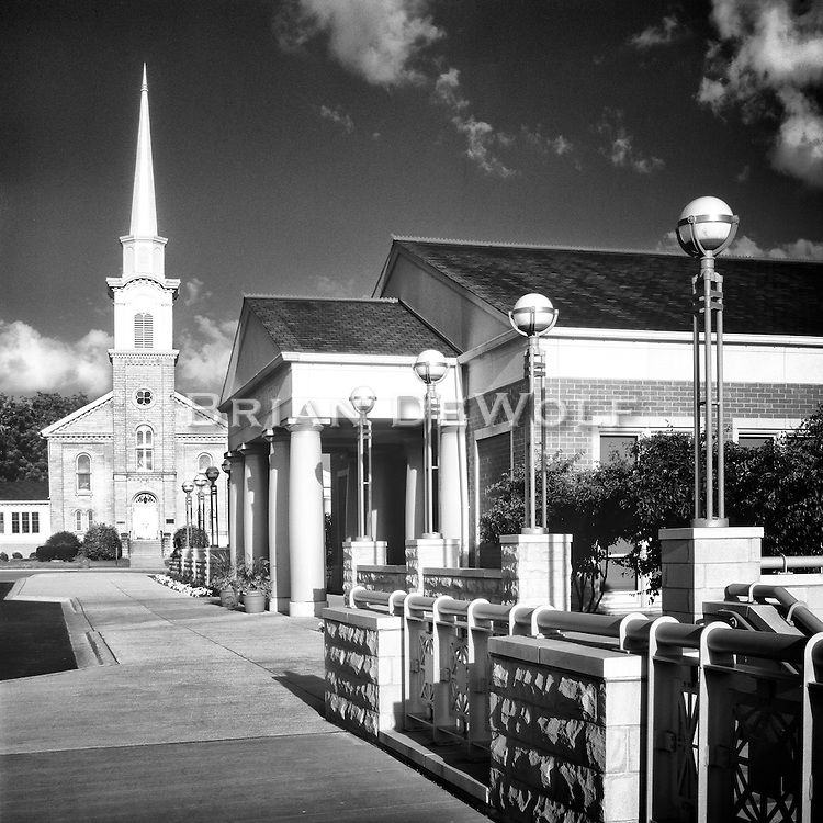 The iconic steeple of the Congregational Church juts majestically above the city's horizen . . . pointing home.