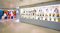 THEMENBILD, ESTADIO SANTIAGO BERNABEU, es ist das Fußballstadion des spanischen Vereins Real Madrid. Es liegt im Zentrum der Stadt Madrid im Viertel Chamartin. Seit der letzten Modernisierung im Jahr 2005 fasst es 80.354 Zuschauer und ist seit 14. November 2007 als UEFA-Elite-Stadion ausgezeichnet, der hoechsten Klassifikation des Europaeischen Fußballverbandes. Das Stadion wurde am 14. Dezember 1947 als Nuevo Estadio Chamartin mit 75.000 Plaetzen offiziell eroeffnet. Am 14. Januar 1955 stimmte die Mitgliederversammlung des Klubs für die Umbenennung des Stadions zu Ehren des damaligen Vereinspraesidenten Santiago Bernabeu, nach dessen Vision die Spielstaette gebaut wurde. Im Bild Vitrine mit Auszeichnungen. Bild aufgenommen am 27.03.2012. EXPA Pictures © 2012, PhotoCredit: EXPA/ Eibner/ Michael Weber..***** ATTENTION - OUT OF GER *****