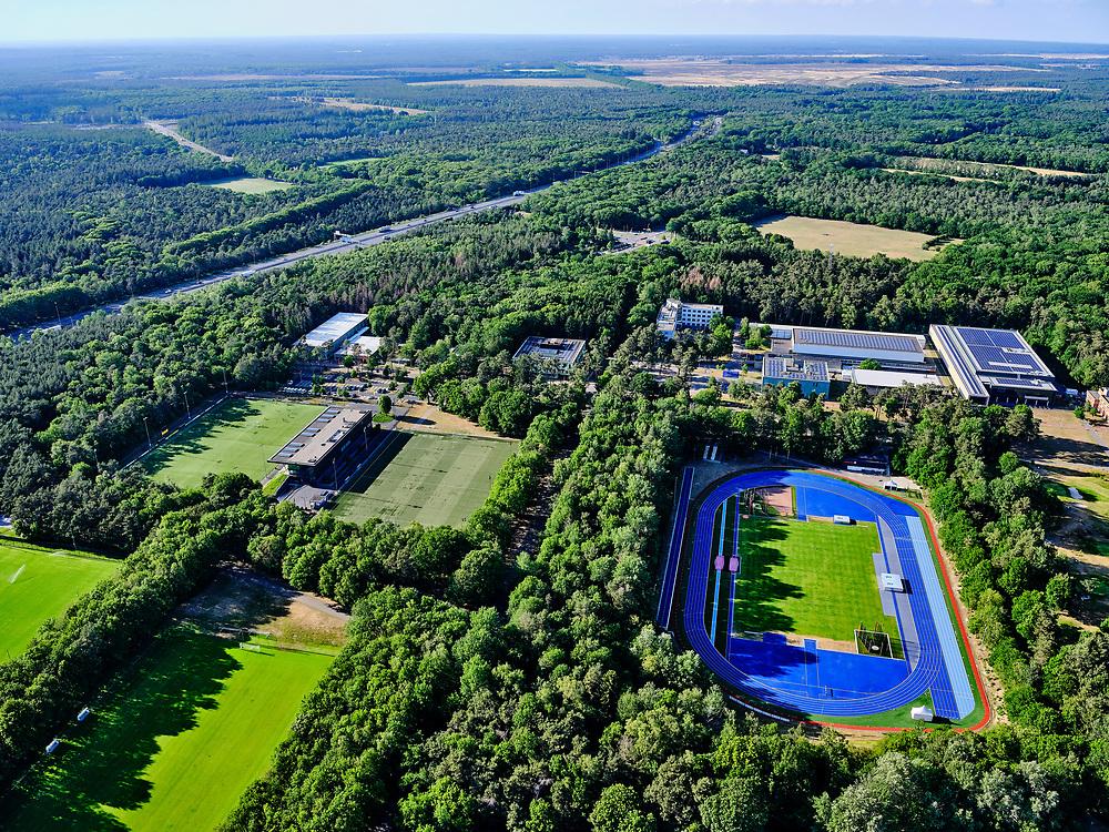 Nederland, Gelderland, Gemeente Arnhem, 14–05-2020; topsporttrainingscentrum Sportcentrum Papendal, huisvest onder andere het NOC*NSF.<br /> Top sport training center Sportcentrum Papendal, which houses the NOC * NSF, among others.<br /> <br /> luchtfoto (toeslag op standaard tarieven);<br /> aerial photo (additional fee required)<br /> copyright © 2020 foto/photo Siebe Swart