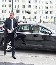26.05.2014, OeVP Bundespartei, Wien, AUT, OeVP, Vorstandssitzung der OeVP Bundespartei. im Bild Bundesminister fuer Land- und Forstwirtschaft, Umwelt und Wasserwirtschaft Andrae Rupprechter (OeVP) // Minister of Agriculture Andrae Rupprechter (OeVP) before board meeting of OeVP at federal party of OeVP in Vienna, Austria on 2014/05/26. EXPA Pictures © 2014, PhotoCredit: EXPA/ Michael Gruber
