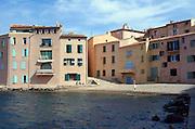 Frankrijk, St. Tropez, 27-8-2006Even buiten de haven is Saint Tropez een schattig, tamelijk rustig Frans havenstadje.Foto: Flip Franssen/Hollandse Hoogte