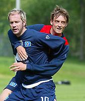 Fotball<br /> Bundesliga 2003/04<br /> Trenings Hamburger SV<br /> 4. mai 2004<br /> Foto: Digitalsport<br /> NORWAY ONLY<br /> <br /> Sergej BARBAREZ, Björn SCHLICKE