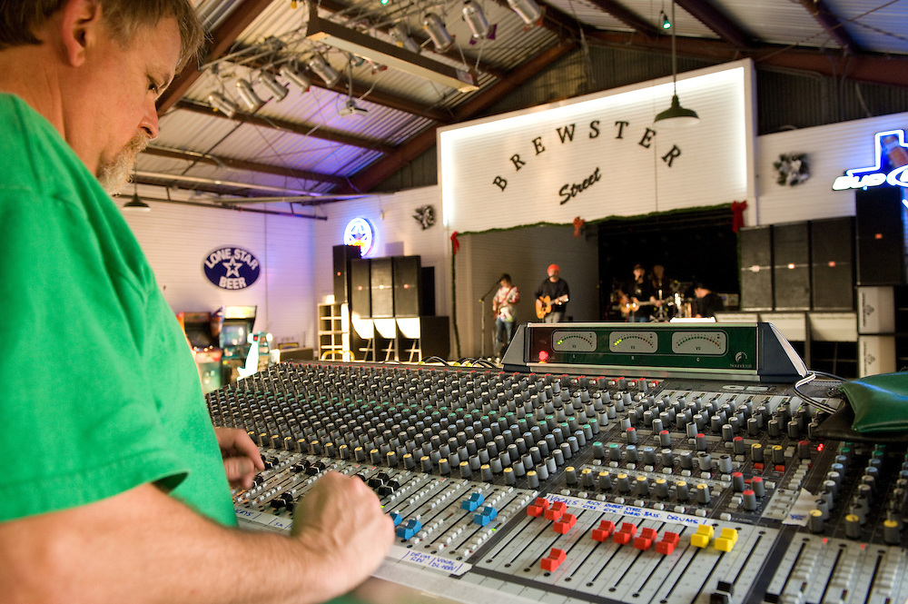 Charles Ray, sound engineer. Robert Earl Keen and the Robert Earl Keen Band live in concert at Brewster Street in Corpus Christi, Texas on Saturday, December 27 2008. Photograph © 2008 Darren Carroll