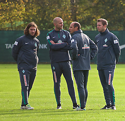 26.10.2014, Weserstadion, Bremen, GER, 1. FBL, Werder Bremen, Training, im Bild von links, Torsten Frings (Co-Trainer SV Werder Bremen), Christian Vander (Torwarttrainer SV Werder Bremen), Viktor Skripnik (Cheftrainer SV Werder Bremen) und Florian Kohfeldt (Co-Trainer SV Werder Bremen) // during a Training of German Bundesliga Club SV Werder Bremen at the Weserstadion in Bremen, Germany on 2014/10/26. EXPA Pictures © 2014, PhotoCredit: EXPA/ Andreas Gumz<br /> <br /> *****ATTENTION - OUT of GER*****