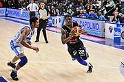 DESCRIZIONE : Campionato 2014/15 Serie A Beko Dinamo Banco di Sardegna Sassari - Upea Capo D'Orlando<br /> GIOCATORE : Sek Henry<br /> CATEGORIA : Penetrazione<br /> SQUADRA : Upea Capo D'Orlando<br /> EVENTO : LegaBasket Serie A Beko 2014/2015<br /> GARA : Dinamo Banco di Sardegna Sassari - Upea Capo D'Orlando<br /> DATA : 22/03/2015<br /> SPORT : Pallacanestro <br /> AUTORE : Agenzia Ciamillo-Castoria/L.Canu<br /> Galleria : LegaBasket Serie A Beko 2014/2015