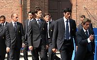 Fotball<br /> Italia<br /> Begravelse for Inters president Giacinto Facchetti <br /> Foto: imago/Digitalsport<br /> NORWAY ONLY<br /> <br /> 06.09.2006  <br /> <br /> Inter Spieler auf der Beerdigung von Inter Präsident Giacinto Facchetti (Italien), v. li.: Ivan Cordoba, Esteban Cambiasso,  Nicolas Burdisso, Santiago Solari, Javier Zanetti, Julio Cruz