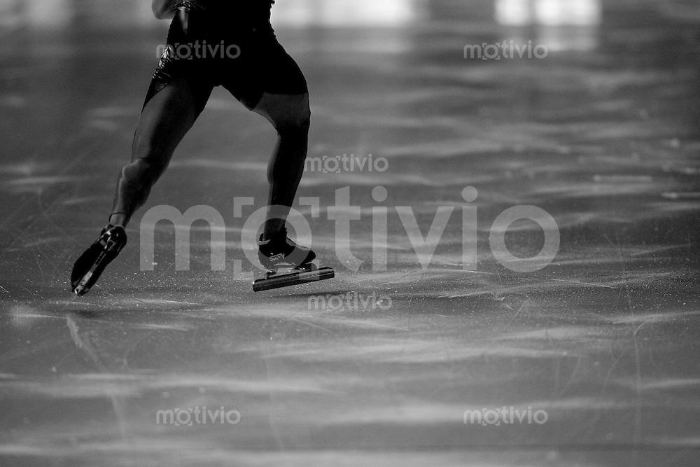 Erfurt , 180207 , Eisschnelllauf Weltcup , 1500m Maenner  Stefan HEYTHAUSEN (GER) Anlauf