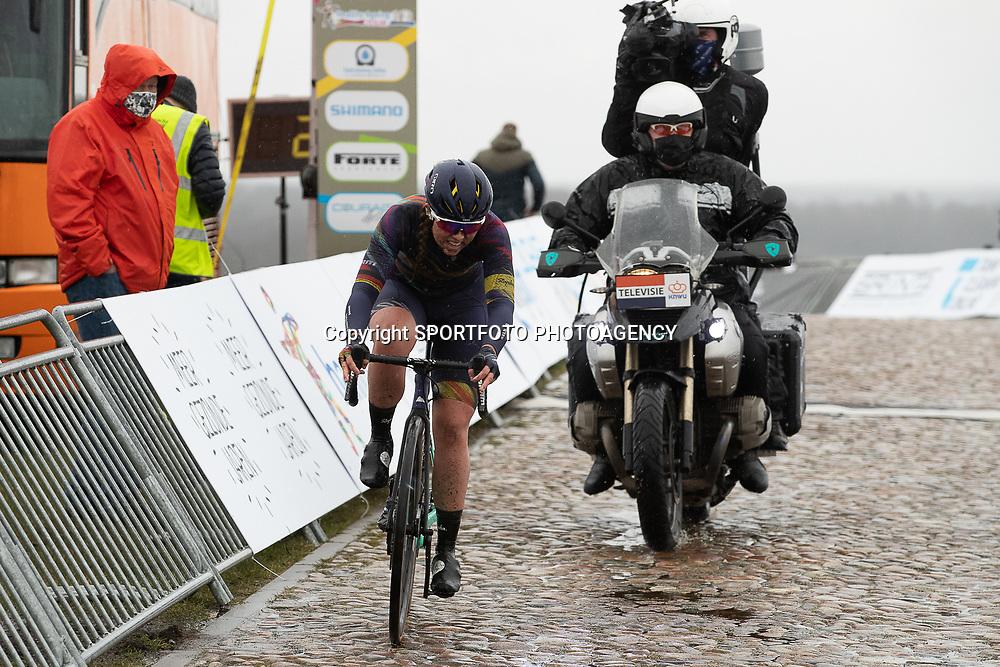12-03-2021: Wielrennen: Healthy Ageing Tour: Wijster<br />Lonneke Uneken onderweg in de finale