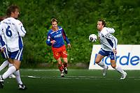 Fotball, 1236. juli 2006, Adeccoligaen, Tromsdalen - FK Haugesund<br /> Morten Giæver, Tromsdalen og Ivar Arnljot Sandvik, Haugesund<br /> Foto: Tom Benjaminsen / DIGITALSPORT