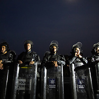 Riot police units from the Federal Police of Mexico, blocked the road to Oaxaca out of Arriaga, Chiapas. After some negotiations and several hours, the way was cleared and the caravan continued.