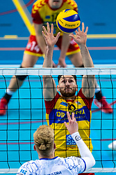 Maikel van Zeist of Dynamo, Bennie Tuinstra of Lycurgus in action during the league match between Draisma Dynamo vs. Amysoft Lycurgus on March 13, 2021 in Apeldoorn.