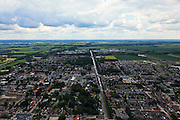 Nederland, Overijssel, Gemeente Hardenberg, 30-06-2011;  Dedemsvaart doorsneden door het Ommerkanaal..Village of Dedemsvaart crossed by the Ommerkanaal (canal)..luchtfoto (toeslag), aerial photo (additional fee required).copyright foto/photo Siebe Swart