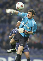 """PORTUGAL - PORTO 23 FEBRUARY 2005: FRANCESCO TOLDO #1 misses the ball, tha will give the goal to FC Porto, in the First Knock-out Round First Leg of the UEFA Champions League, match FC Porto (1) vs FC Internazionale (1), held in """"Dragao"""" stadium  23/02/2005  21:02:08<br />(PHOTO BY: NUNO ALEGRIA/AFCD)<br /><br />PORTUGAL OUT, PARTNER COUNTRY ONLY, ARCHIVE OUT, EDITORIAL USE ONLY, CREDIT LINE IS MANDATORY AFCD-PHOTO AGENCY 2004 © ALL RIGHTS RESERVED"""
