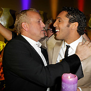 NLD/Amsterdam/20120204 - 30ste Verjaardag Richy Brown, Gordon Heuckeroth feliciteerd Richy