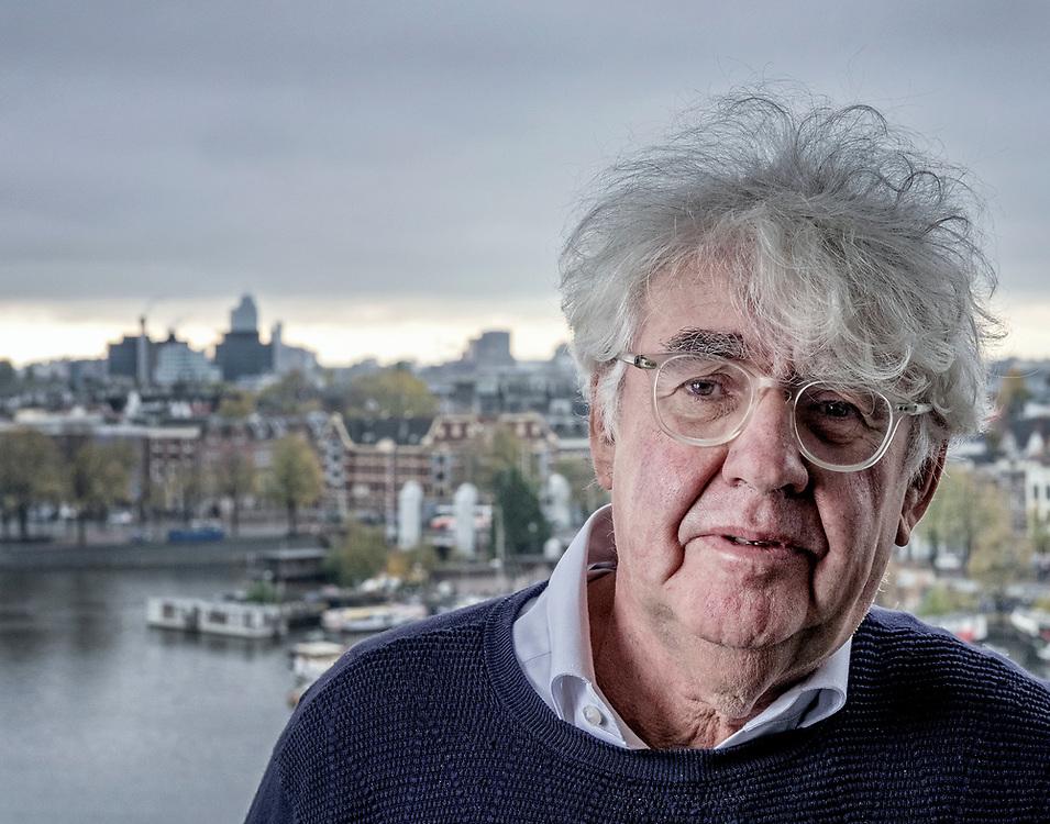 Nederland. Amsterdam, 10-11-2016. Copyright/Photo: Patrick Post. Portret van schrijver Geert Mak.
