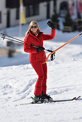 22.02.2016, Lech, AUT, Fototermin mit der Niederländischen Königsfamilie in Lech am Arlberg, im Bild Königin Maxima // Queen Maxima pose for photographers during a photo session in the Austrian skiing resort of in Lech, on Monday, Feb. 22, 2016. The Dutch Royal family is currently spending their winter vacation in the western Austrian province of Vorarlberg. Lech, Austria on 2016/02/22. EXPA Pictures © 2016, PhotoCredit: EXPA/ Stringer