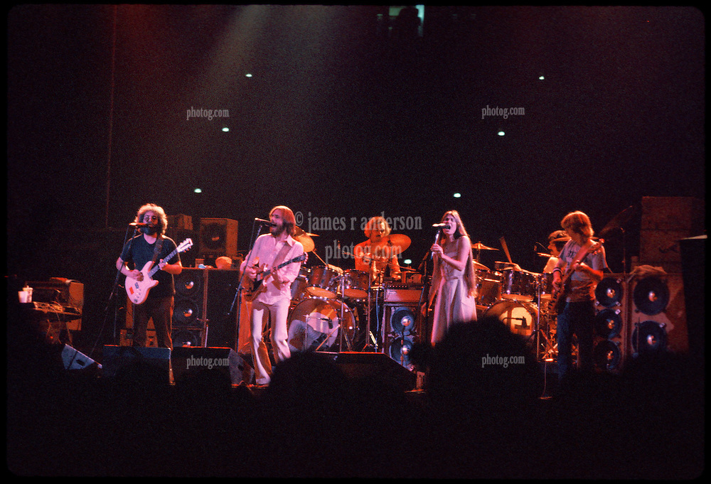 Everyone but Keith. The Grateful Dead at the Hartford Civic Center 28 May 1977. Jerry Garcia, Bob Weir, Bill Kreutzmann, Donna Jean Godchaux, Micky Hart and Phil Lesh.