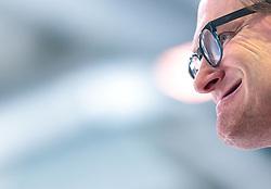 20.04.2018, Eisarena, Salzburg, AUT, EBEL, EC Red Bull Salzburg vs HCB Suedtirol Alperia, Finale, 7. Spiel, im Bild Trainer Greg Poss (EC Red Bull Salzburg) // during the Erste Bank Icehockey 7th final match between EC Red Bull Salzburg and HCB Suedtirol Alperia at the Eisarena in Salzburg, Italy on 2018/04/20. EXPA Pictures © 2018, PhotoCredit: EXPA/ JFK