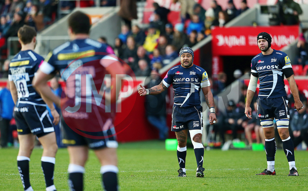 Sam Tuitupou of Sale Sharks talks with his team mates - Mandatory by-line: Matt McNulty/JMP - 20/11/2016 - RUGBY - AJ Bell Stadium - Sale, England - Sale Sharks v Saracens - Aviva Premiership