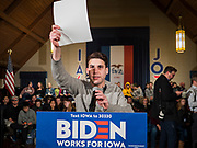 18 JANUARY 2020 - INDIANOLA, IOWA: A campaign worker for Joe Biden holds up a piece of paper so TV cameras can set a white balance before a Biden campaign event at Simpson College Saturday. About 250 people came to Simpson College to listen to Vice President talk about his reasons for running for President. Iowa hosts the first event of the presidential election cycle. The Iowa Caucuses are Feb. 3, 2020.       PHOTO BY JACK KURTZ
