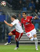 Fotball<br /> Tyskland<br /> Foto: Witters/Digitalsport<br /> NORWAY ONLY<br /> <br /> 01.10.2009<br /> <br /> Foul zum Elfmeter v.l. Tunay Torun HSV, Walid Badir<br /> <br /> Europa League Hamburger SV - Hapoel Tel Aviv