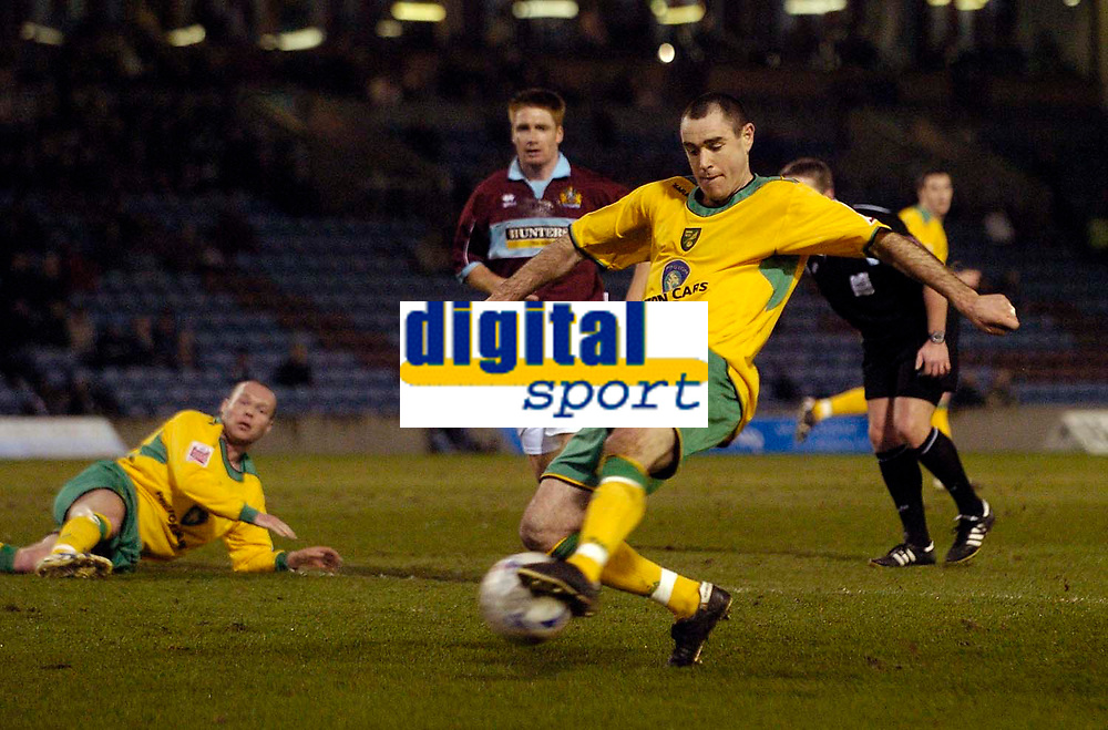 Photo: Jed Wee.<br /> Burnley v Norwich City. Coca Cola Championship. 24/03/2006.<br /> <br /> Norwich's Andy Hughes fires a shot in on goal as they push for the equaliser.