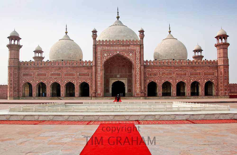 Badshani Mosque in Lahore, Pakistan RESERVED USE - NOT FOR DOWNLOAD -  FOR USE CONTACT TIM GRAHAM