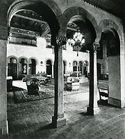 1937 Hollywood Roosevelt Hotel's lobby
