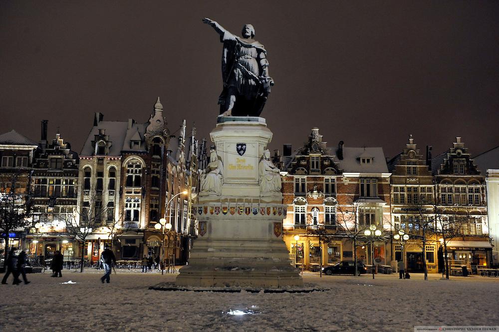 Ghent, Belgium, Nov 23, 2008, First snow at De Vrijdagsmarkt.