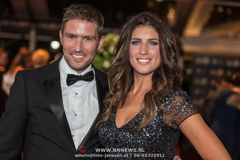 NLD/Amsterdam/20171012 - Televizier-Ring Gala 2017, Marieke Elsinga met haar broer
