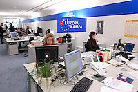 12 JAN 2004, BERLIN/GERMANY:<br /> SPD Europa Kampa, Wahlkampfzentrale fuer die Wahl des Europaeischen Parlamentes im Willy-Brandt-Haus<br /> IMAGE: 20040112-02-056