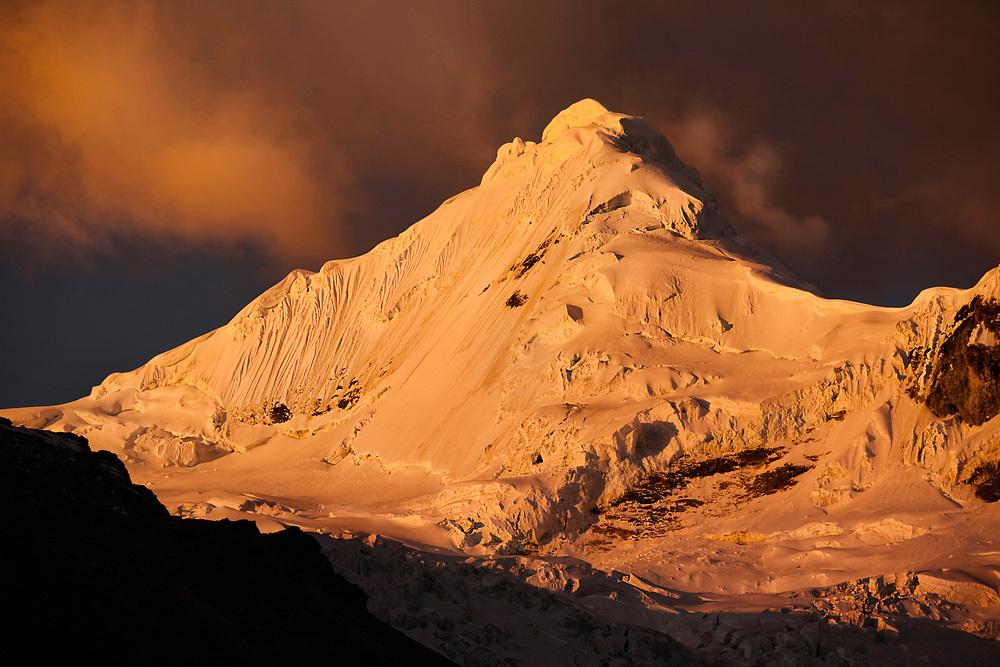 Tocllaraju in the Cordillera Blanca, Perú, 2010. Personal project