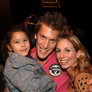 NLD/Amsterdam/20060129 - Premiere musical Muis, Nick nielsen, zusje en nichtje