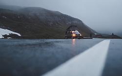 THEMENBILD - ein Volkswagen T6 California Coast bei kaltem und nebligem Wetter auf der Großglockner Hochalpenstrasse, aufgenommen am 28. Juni 2018 in Fusch an der Großglocknerstraße, Österreich // a Volkswagen T6 California Coast in cold and foggy weather on the Grossglockner High Alpine Road, Fusch an der Grossglocknerstrasse, Austria on 2018/06/28. EXPA Pictures © 2018, PhotoCredit: EXPA/ JFK