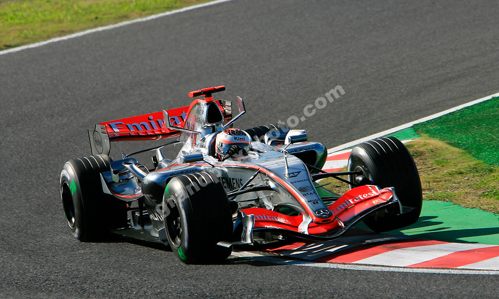 Kimi Raikkonen (McLaren-Mercedes) during qualifying for the 2006 Japanese Grand Prix. Photo: Grand Prix Photo