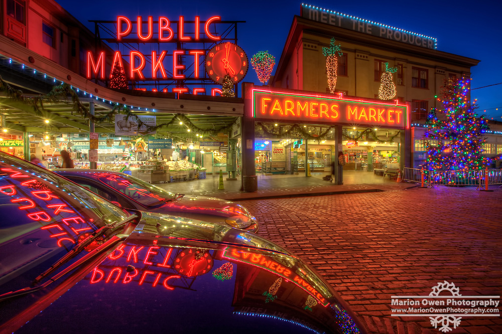 Christmas in Seattle's Pike Place Market