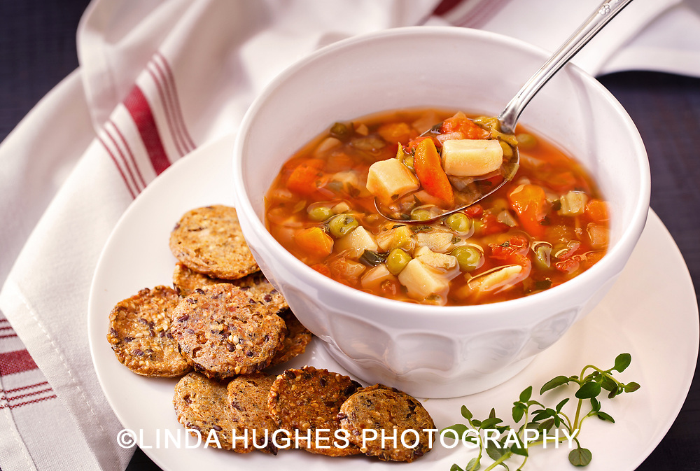Vegan Soup with Crackers