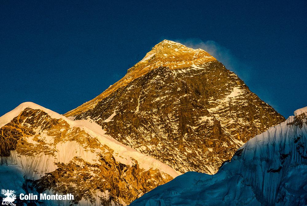 Chomolungma sunset, SW face Everest from Kala pattar, Khumbu Himal, Nepal