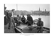 24 Meitheamh 1959<br /> Dónal Ó Móráin, Gael Linn, ag bualadh leis na hiascairí.<br /> <br /> Donal O'Morain of Gael Linn meets with the fishermen at Ringsend.