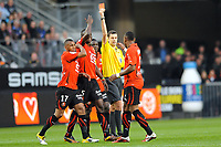 FOOTBALL - FRENCH CHAMPIONSHIP 2010/2011 - L1 - STADE RENNAIS v FC LORIENT - 16/04/2011 - PHOTO PASCAL ALLEE / DPPI - MR ALEXANDRE CASTRO GIVE A RED CARD TO JEAN ARMEL KANA BIYIK (R) (REN)