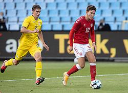 Jonas Wind (Danmark) og Illia Zabarnyi (Ukraine) under U21 EM2021 Kvalifikationskampen mellem Danmark og Ukraine den 4. september 2020 på Aalborg Stadion (Foto: Claus Birch).